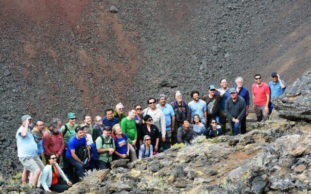 el grupo se tomo una foto general en el crater morada del diablo copia e